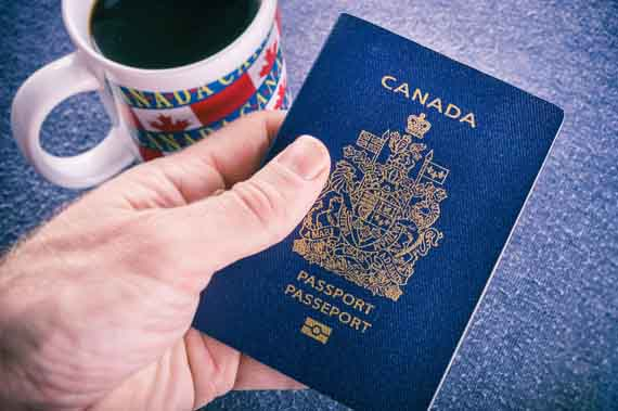 Паспорт гражданина Канады © CanadaVisa.in.ua